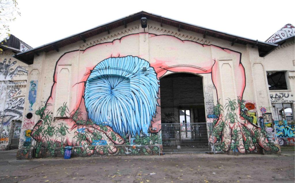 RAW-Gelände street art by Alaniz - by SL Wong